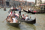 This is, I guess, the most typical scene from Venice... the gondolas. But, as everything else in Venice, they cost a whole fortune...