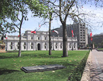 The Government Palace and Plaza de la Constitución. The president used to live here until the 1973 coup, but now the president is only working in this building.