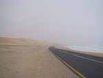 The desert goes all the way to the beach. It is always misty at this coast, and this day was no exeption.