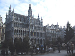 But the focal point of the city is Grand' Place, with impressive medieval architecture.