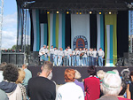 While inspecting the tall ships in the harbor, I noticed a familiar singing from a stage. It was the mens' choir from Washington that I saw i Tallinn a few days earlier.