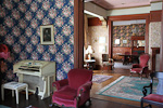 We stayed at Alamo Square Inn, a Victorian house from the turn of last century.