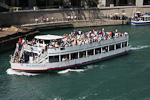 (English) A boat on the Chicago River.