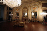 The Süfera (Ambassador) Hall was used to receive ambassadors. The two golden plates over the mirrors are solid gold.